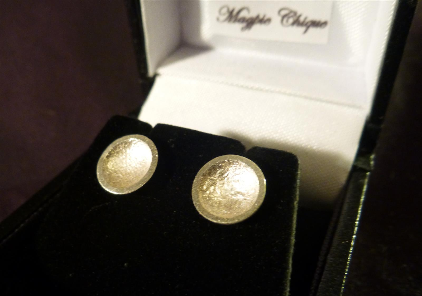 LS12 Liz Simmons Silver Reticulated concave dome stud earrings 9mm