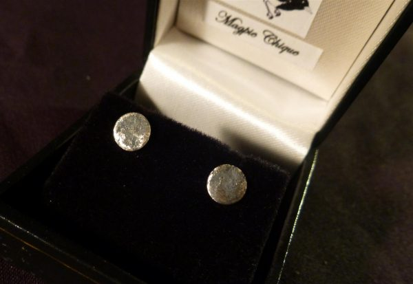 LS18 Liz Simmons Silver reticulated disc oxidised studs 6.5mm
