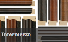 Intermezzo has a range of widths all in scoop profiles. This has a traditional veneer finish available in wenge, mahogany and Walnut finish. This has its own matching mount slip and beautifully frames a range of artwork.