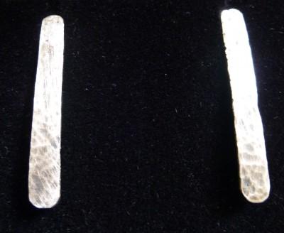 Item 06 silver bar stud earrings