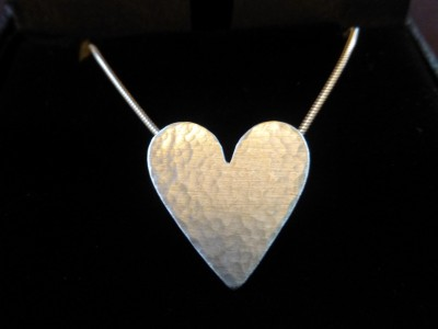 Item 12 silver heart hammered necklace
