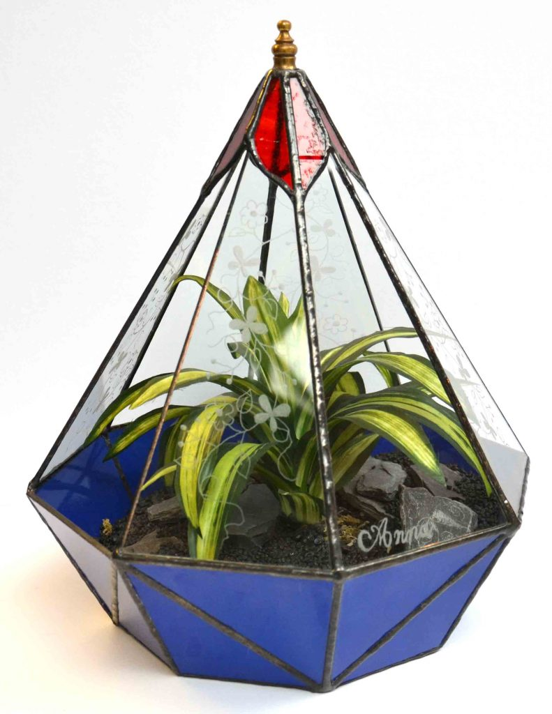 Montego planted sculpture